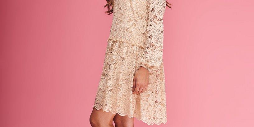 f72ff27f34 Zwiewna sukienka na weselu